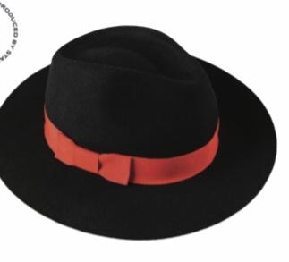 Филцова шапка с червена лента