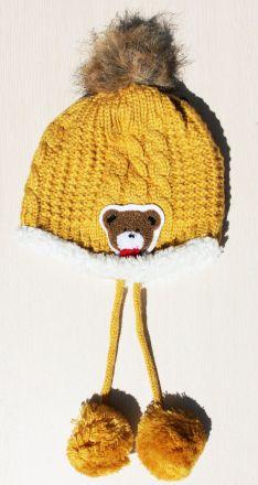 плетена шапка с мека подплата Мече цвят жълто