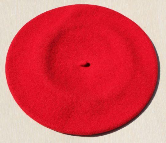 червена барета